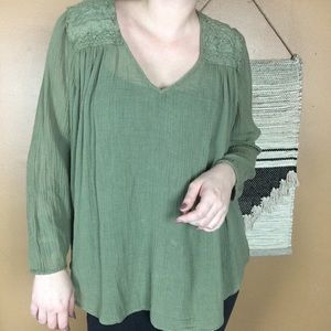 CURRENT ELLIOT GREEN PEASANT STYLE BLOUSE